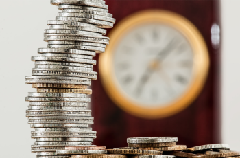 Quantas horas extras diárias um funcionário pode fazer?