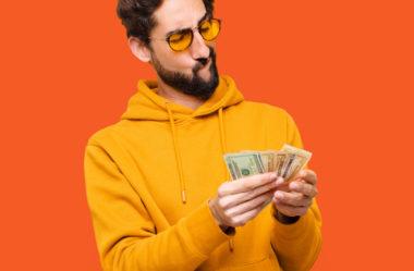 Salário substituição: o que é e quando deve ser pago?